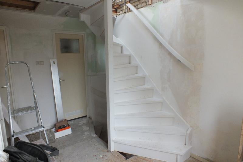 Dichte zoldertrap groenekan trappen totaal for Dichte trap maken