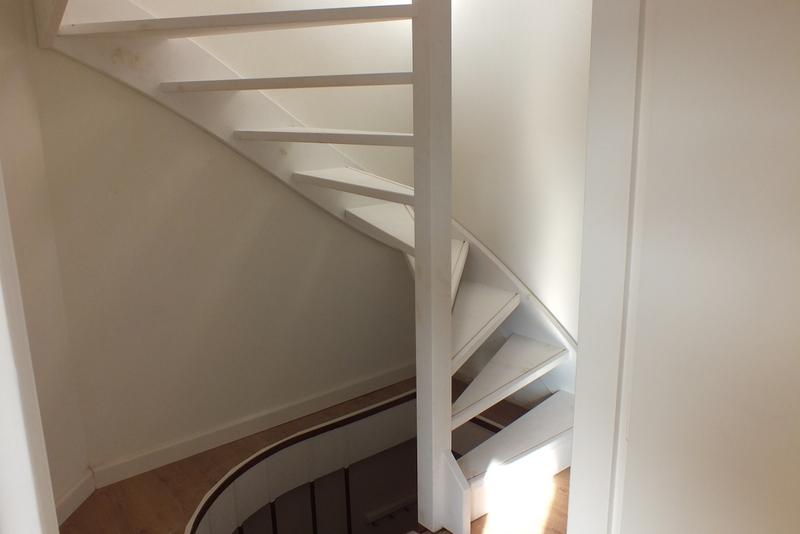 Vaste trap naar zolder zaandam trappen totaal for Trap plaatsen naar zolder