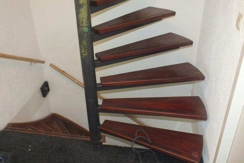 Stalen wenteltrap vervangen in leiderdorp trappen totaal for Vaste zoldertrap incl plaatsen en inmeten