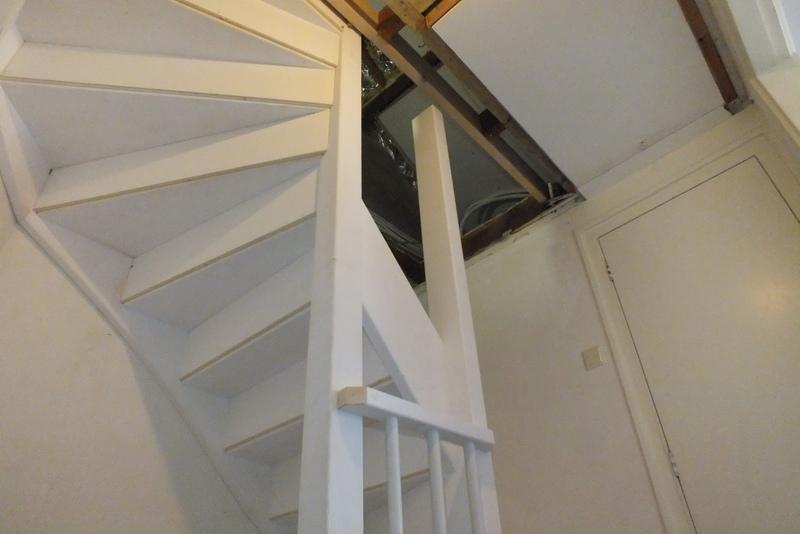 Vaste trap naar zolder in groenlo trappen totaal for Trap plaatsen naar zolder