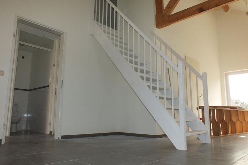 Open steektrap in roosendaal trappen totaal for Steektrap hout