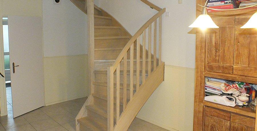 Vaste zoldertrappen vaste trappen traprenovatie trappentotaal for Vaste trap laten plaatsen
