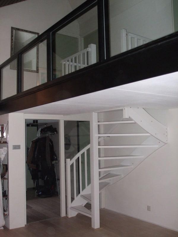 Hardhouten meranti trap 1 x gegrond rotterdam trappen totaal for Vaste zoldertrap incl plaatsen en inmeten
