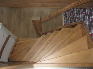Gebeitste vurenhouten trap open uitvoering s trap den haag for Vurenhouten trap