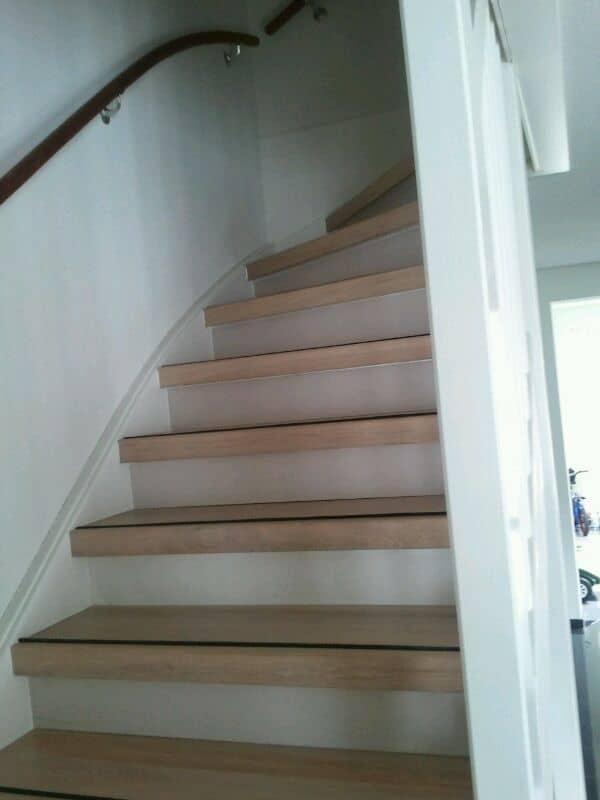 Traprenovatie sittard trappen totaal for Vaste zoldertrap incl plaatsen en inmeten