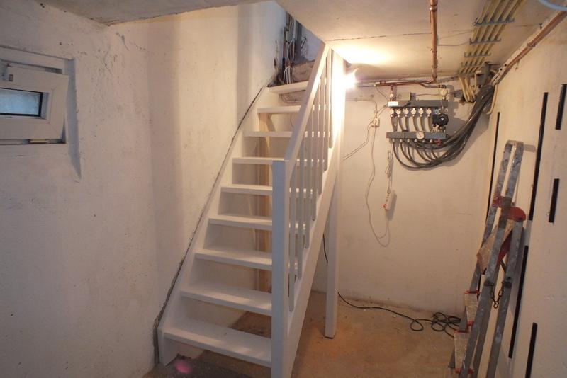 Keldertrap venray trappen totaal for Trapgat maken in beton