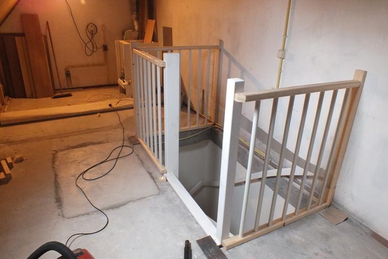 Vaste trap naar zolder in helmond trapgat beton trappen for Trap plaatsen naar zolder