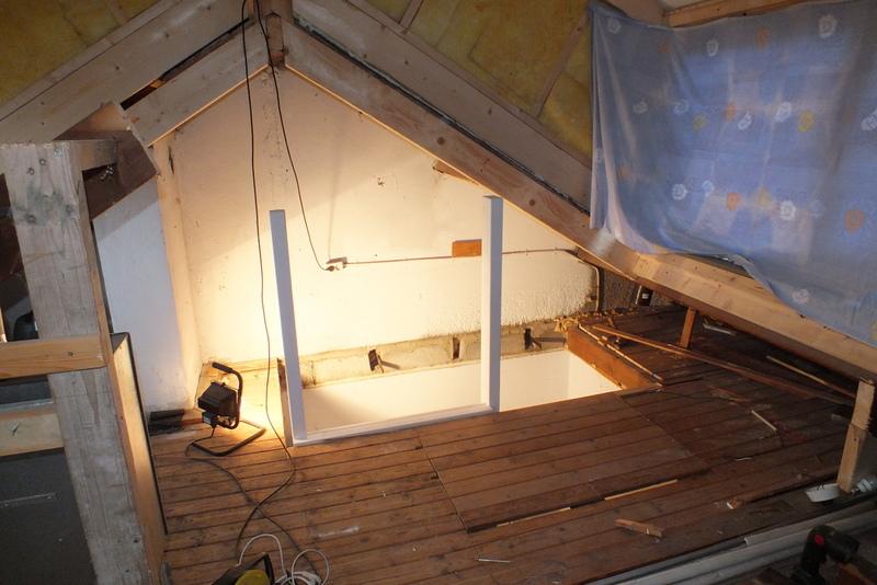 Vaste trap naar zolder almelo trappen totaal for Trap plaatsen naar zolder