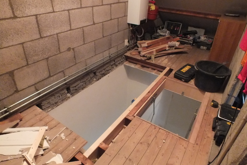 Vaste trap naar zolder trapgat in vleuten trappen totaal for Trapgat maken in beton