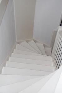 Dichte vaste trap vuren in veldhoven trappen totaal for Vaste zoldertrap incl plaatsen en inmeten