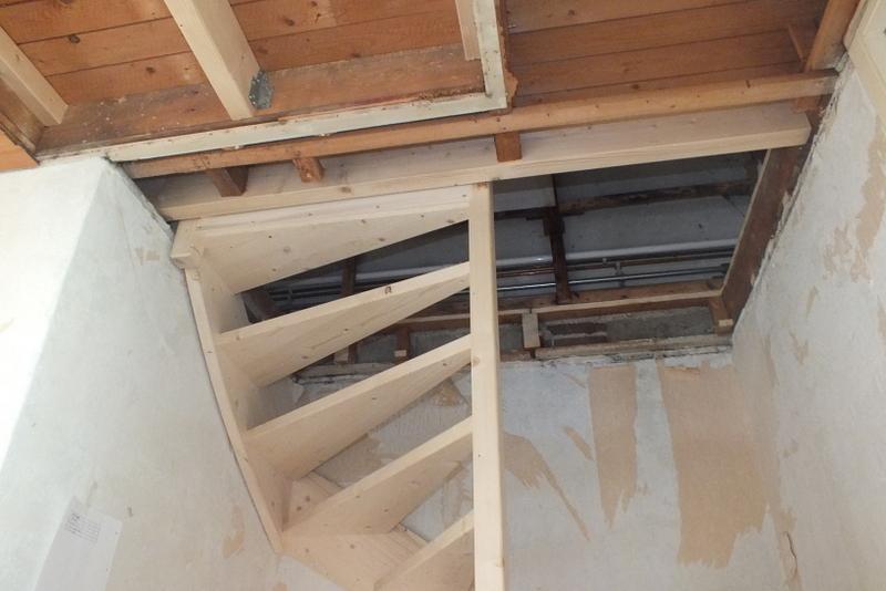 Open trap naar zolder in purmerend trappen totaal for Trap plaatsen naar zolder