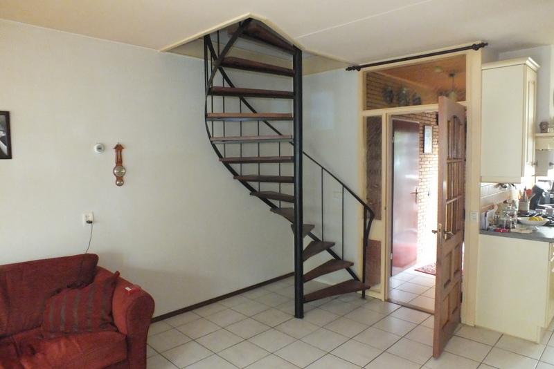 Wenteltrap vervangen in bergen op zoom trappen totaal for Vaste zoldertrap incl plaatsen en inmeten