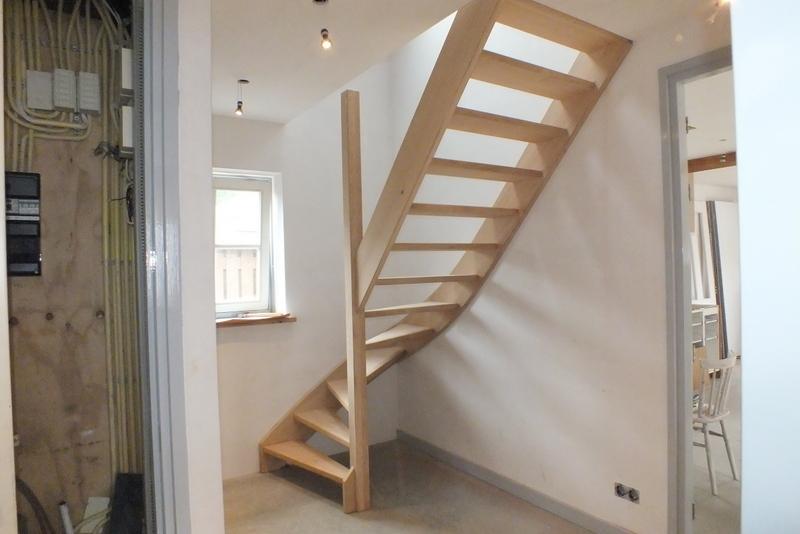 Eiken trap in een boerderij te haarsteeg trappen totaal for Vaste zoldertrap incl plaatsen en inmeten
