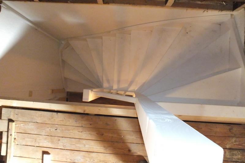 Vaste trap naar zolder trapgat in venlo trappen totaal for Vaste zoldertrap incl plaatsen en inmeten