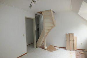 Vaste zoldertrap in waalwijk trappen totaal for Trapgat maken in beton