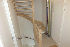 Trap in kruiningen trappen totaal for Doorloophoogte trap