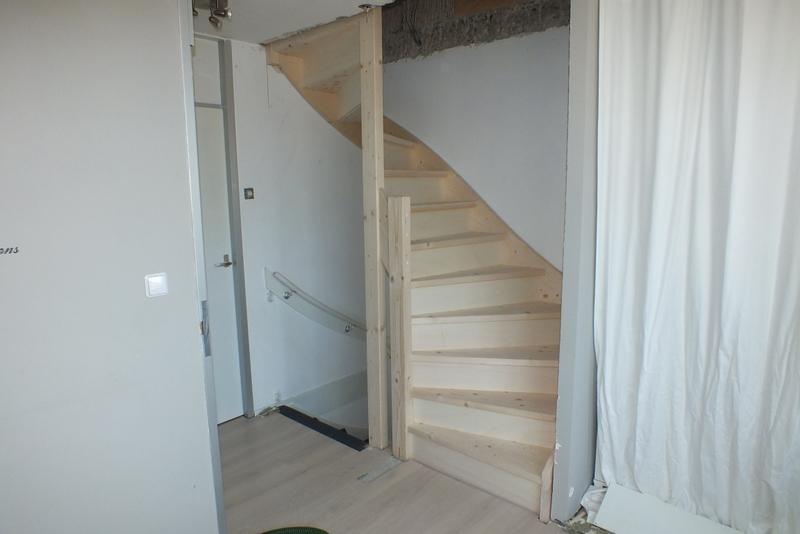 Dichte halfslag trap naar zolder hilversum 1 trappen for Dichte trap maken