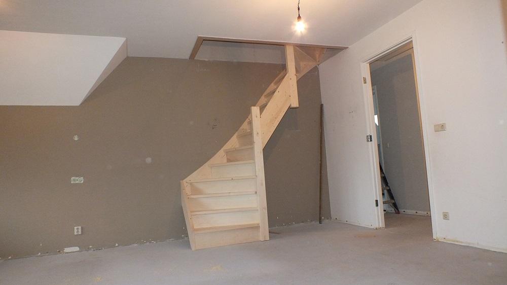 Grote vaste zoldertrap in zeist trappen totaal for Vaste zoldertrap incl plaatsen en inmeten