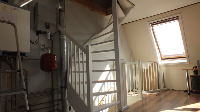 Vaste zoldertrap in vennep trappen totaal for Vaste zoldertrap incl plaatsen en inmeten