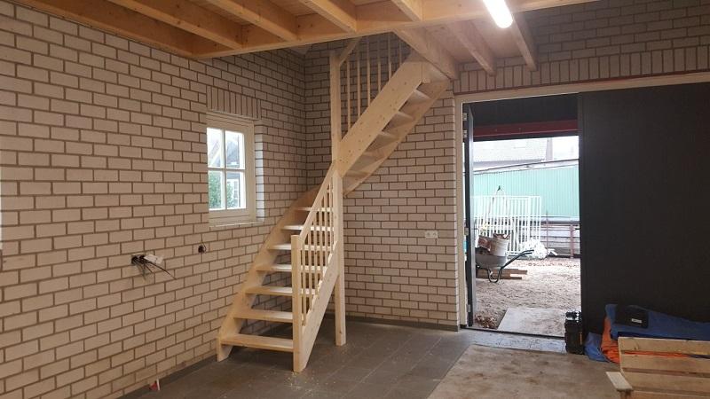 Trap in garage in 39 s gravenmoer trappen totaal for Vaste zoldertrap incl plaatsen en inmeten